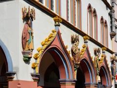 12trier-gothisch-woonhuis-kleurrijk